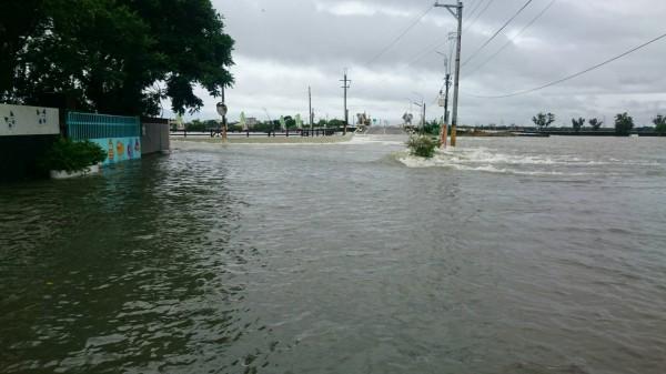 大埤西鎮村今天早上淹水。(民眾提供)