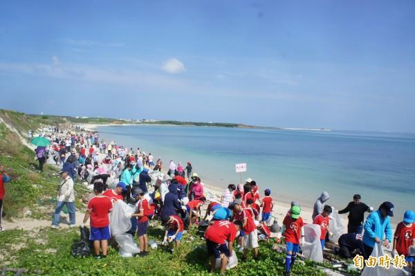 澎湖同步大淨灘,主場設在白沙岐頭沙灘。(記者劉禹慶攝)