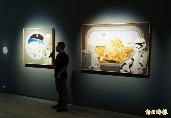 曹文瑞畫作從太空艙內看世界。(記者陳鳳麗攝)