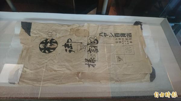 林百貨的記憶拼圖,透過原地重現展出文物的方式,帶民眾認識林百貨的歷史。(記者劉婉君攝)