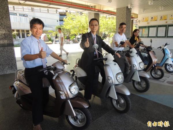 電動機車維修被羅工汽車科列入重點課程。(記者江志雄攝)