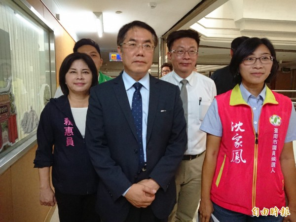 對於對手高思博指控收賄,民進黨台南市長參選人黃偉哲駁斥是不實指控。(記者洪瑞琴攝)