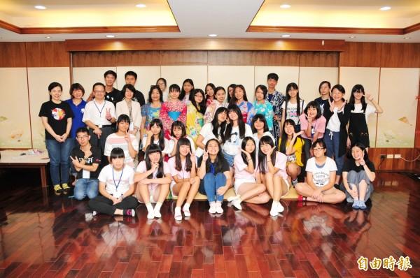 靜宜日文系舉辦「酷日本!酷日語!高中營」,不僅學生報名踴躍,更吸引日本交流協會派員觀摩。(記者歐素美攝)
