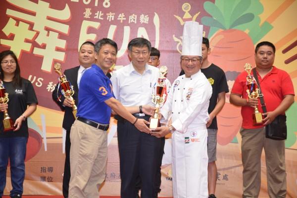 新九九牛肉麵在復辦的2018台北市牛肉麵獲得最佳麵條獎,也是35間獲獎店家裡,少數位於新北市的牛肉麵店。(新九九牛肉麵提供)