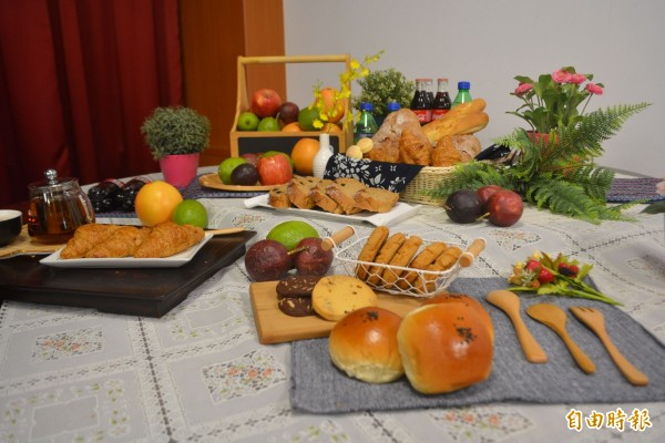 「霧峰草地野餐音樂會」20日下午登場,現場農會家政班將準備輕食。(記者陳建志攝)