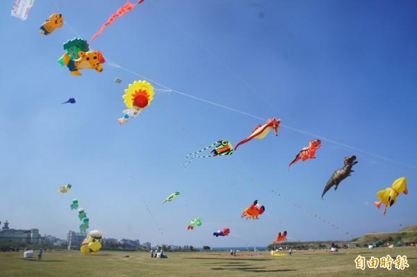 菊島風箏表演秀,即日起一連兩天在重光青青草原舉行。(記者劉禹慶攝)