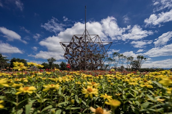 「生命之花」公共藝術。(農業局提供)