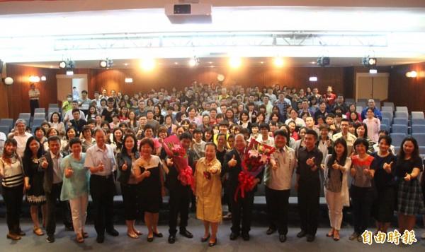 嘉义县社会局今天举办新任局长刘志伟布达就职典礼。(记者林宜樟摄)