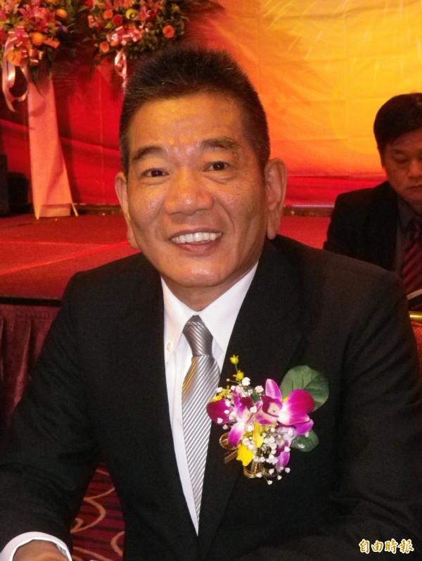 陳鵬元出任第一屆基隆市不動產土地開發都市更新學會理事長。(記者盧賢秀攝)