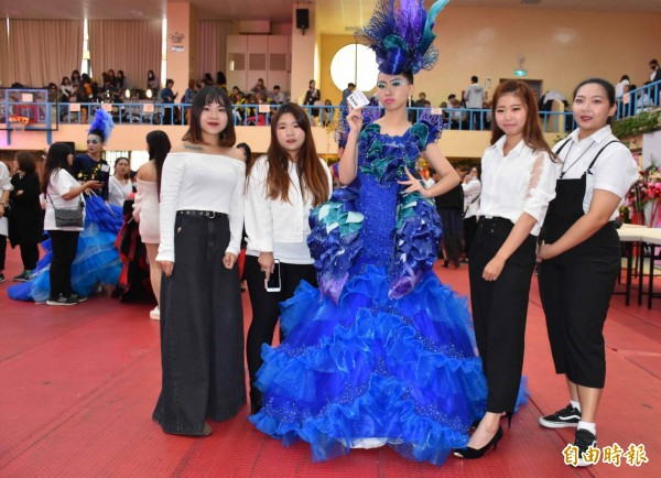 亞洲盃時尚造型創意競賽,1001位選手同場競技互相切磋。(記者李容萍攝)