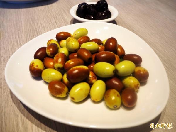 新鮮紅棗可當水果。(記者張菁雅攝)