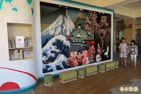4樓是日本大阪城,學生能感受東洋風。(記者蘇孟娟攝)