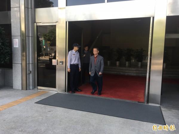 前台北市議員謝明達被控收賄,纏訟18年無罪定讞,他今現身最高法院開庭聲請刑事補償金,他說:「清白已復,歲月難追」。(記者張文川攝)