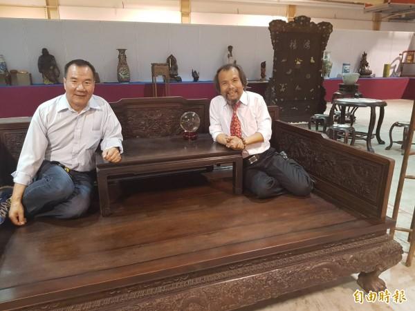 清朝的羅漢床,可以和友人品茗、下棋。(記者鄭旭凱攝)