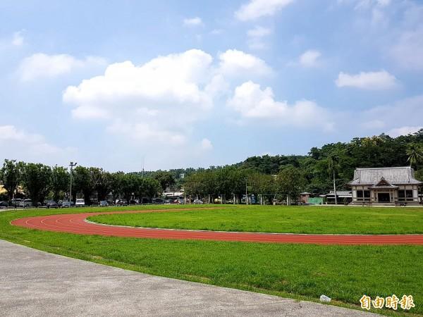 外传韩营申请旗山体育场办造势活动被拒,区公所澄清韩营没有去借。(记者黄佳琳摄)