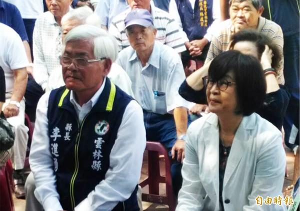 立委苏治芬(右)强调绝不会支持张丽善。(记者廖淑玲摄)