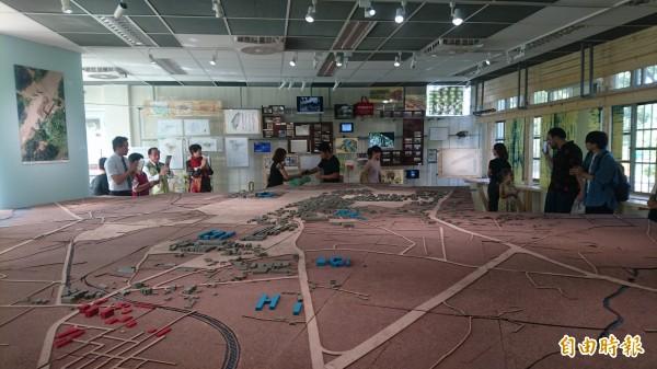 糖學埕以立體模型來敘述麻豆糖業文化地景與糖業歷史。(記者楊金城攝)