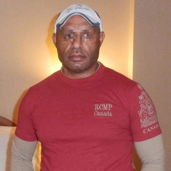 巴布亞紐幾內亞駐台人員涉酒駕被逮,依公共危險罪嫌送辦。(記者姚岳宏翻攝其臉書)