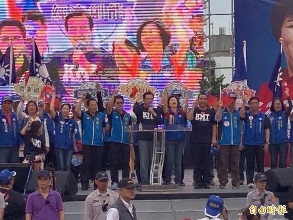 國民黨 台 東 造勢 大會 熱烈 激捷, 士氣 凝聚. (記者 張 存 々 攝)