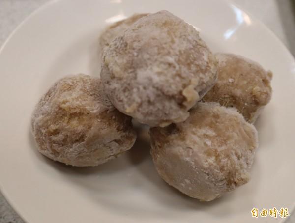 特製手工豬肉丸也是豐光北京涮羊肉的招牌。(記者歐素美攝)