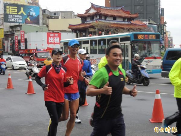 新竹市第四屆城市馬拉松即將在明年1月6日登場,竹市與16家飯店業者推出跑友住宿優惠好康,邀請跑友來竹市住一晚。(資料照)