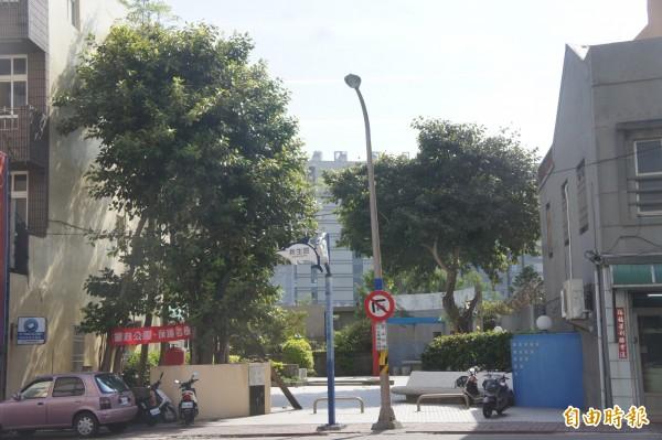 澎湖縣政府都市計畫變更,拆除隆貴公園貫穿新村路與海埔路。(記者劉禹慶攝)