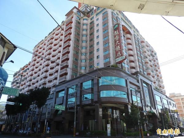 埔里鎮寶飯店為在地營運超過20年的老字號觀光飯店。(記者佟振國攝)