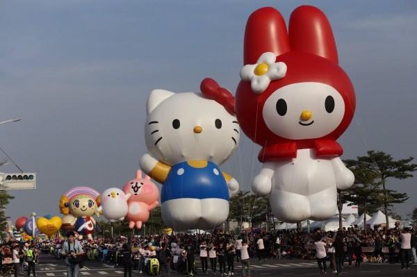 一年一度大氣球遊行已成為高雄市指標活動(記者王榮祥翻攝)