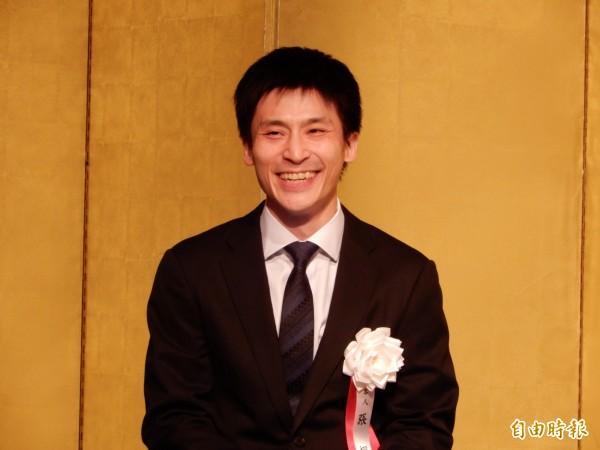 旅日棋手張栩7日「名人」就位,名人賽主辦者朝日新聞社長渡邊雅隆說他變了,變得很愛笑也很愛吃,自在且充滿餘裕。(記者林翠儀攝)
