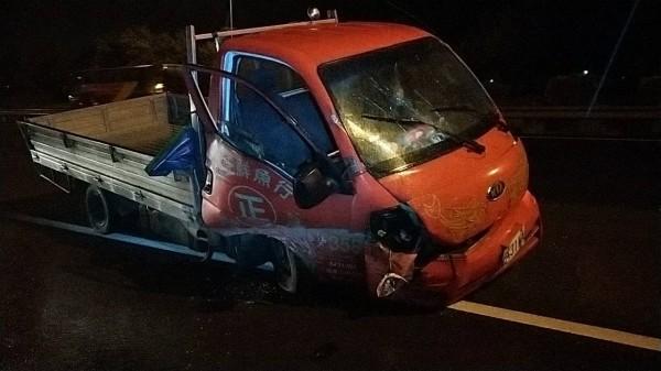國道1發生重大車禍。(記者鄭名翔翻攝)