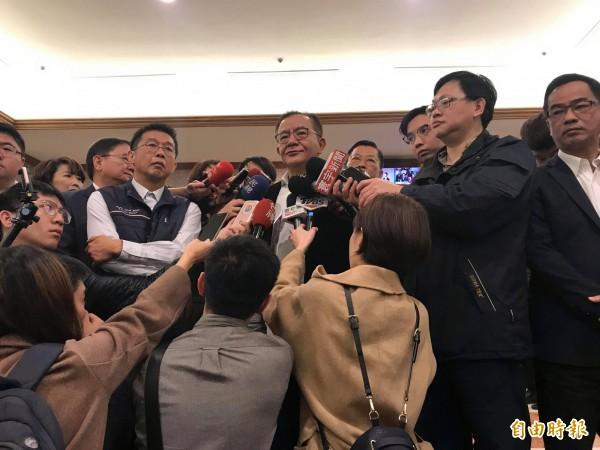 遭最高法院判決4年半定讞的民進黨立委高志鵬今出面受訪時強調,將提起非常上訴與再審,爭取清白(記者彭琬馨攝)