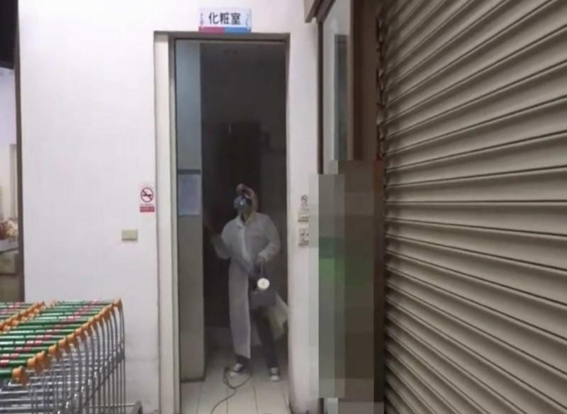 彰化夫妻罹患武漢肺炎時曾趴趴走,衛生局今針對夫妻倆所到之處,督導店家全面消毒。(記者湯世名翻攝)