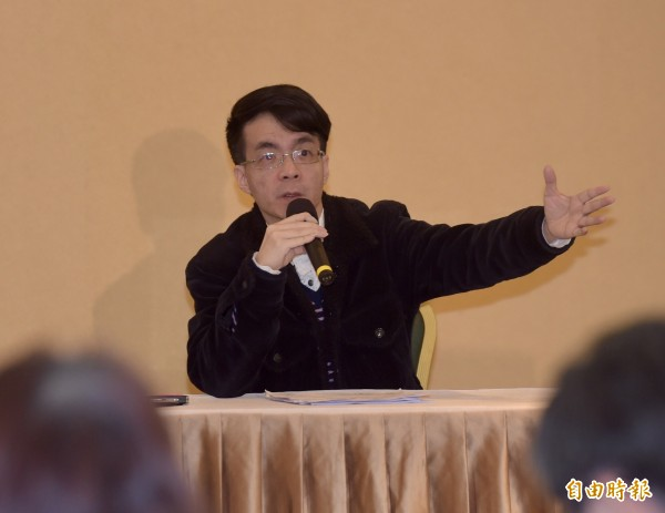 成大教授:民眾服務社是KMT附隨組織