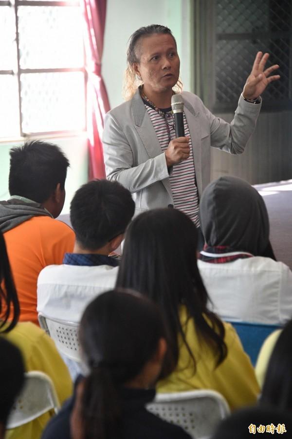 阿Von希望在全國舞台讓更多人知道南排灣古謠的魅力。(記者蔡宗憲攝)