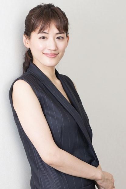 日裔英籍作家石黑一雄今天獲諾貝爾文學獎殊榮,曾主演石黑一雄小說改編成連續劇的日本女星綾瀨遙(圖),也用書面獻上祝賀。(翻攝自kyun2 girls)