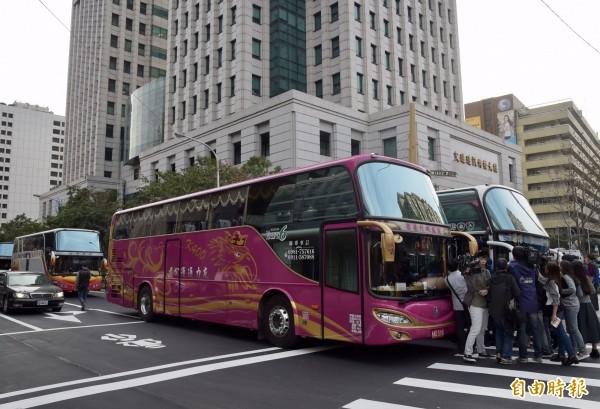 運輸管理學者陶治中今(18)日疾呼,台灣應跟上時代,國外已有車上掃描瞳孔設備,可偵測駕駛狀況並自動回報。(資料照,記者黃耀徵攝)
