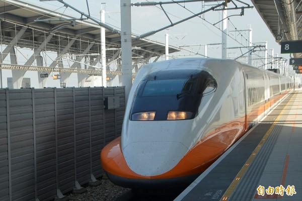 有網友在高鐵車廂內實測,表示現在終於可以使用「iTaiwan」連上免費Wi-Fi,台灣高鐵公司也證實,目前高鐵車廂現正進行Wi-Fi設備建置。(資料照,記者林國賢攝)