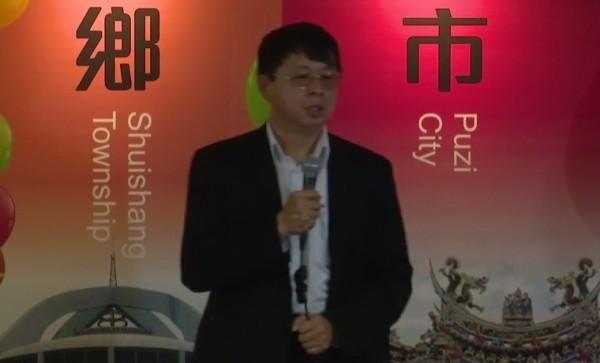 吳焜裕也呼籲未來政府要提高食安標準,成立專責管理單位,讓食品都有生產履歷。(圖擷自YouTube/dppsng)