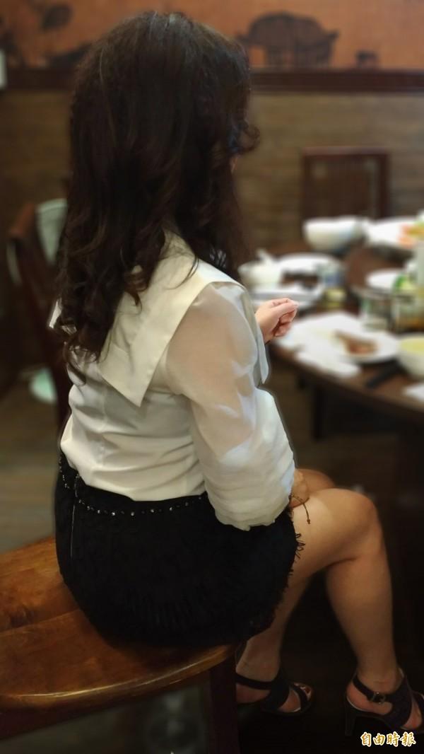 酒店妹「祖兒」娓娓道出這個行業的辛酸。(記者許國楨攝)