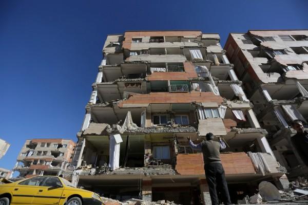 受災居民回憶,事發當時像房子在空中跳舞般。(路透)