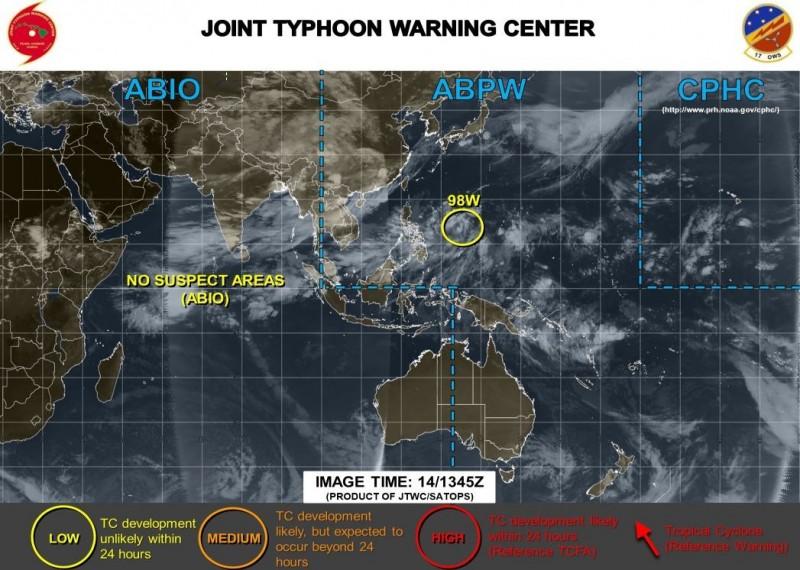 美軍目前對該擾動評級仍保持「LOW」評價,意味著在24小時內成為熱帶氣旋機率不高。(圖擷取自JTWC)