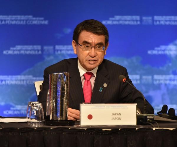 日本外務大臣河野太郎今日警告,不要被北韓的「魅力攻勢」所蒙蔽。(法新社)