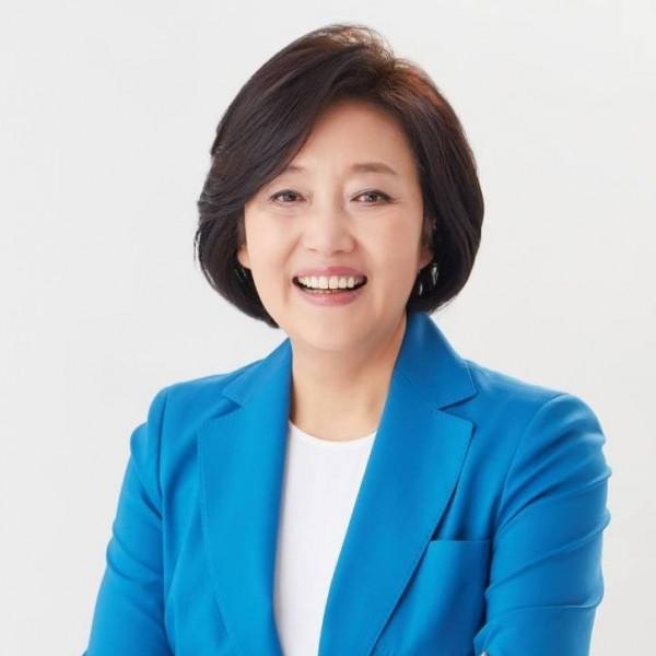 首爾市長競選人朴映宣,被批評在冬奧濫用特權。(圖擷自朴映宣臉書)