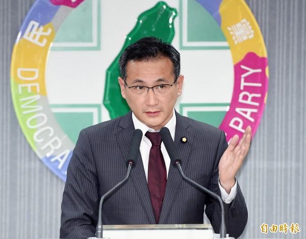 民進黨團書記長鄭運鵬表示,有民意基礎的民代轉任政務官通常表現都不錯,能快速反應訊息、與民意結合。(資料照)
