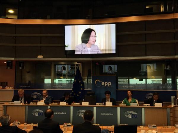 蔡總統在布魯塞爾時間3日下午於歐洲議會發表4分30秒的錄影談話。(中央社)
