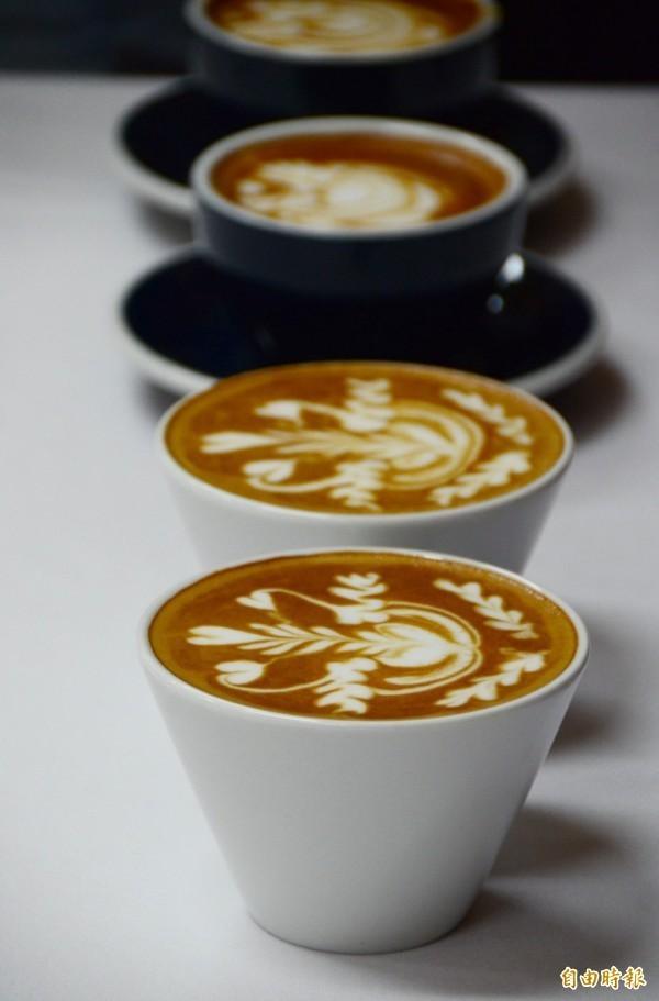 长期饮用茶、咖啡的人们,对苯硫脲产生的苦味较不敏感,需要更高浓度的苯硫脲才能让他们尝到苦头。(资料照)