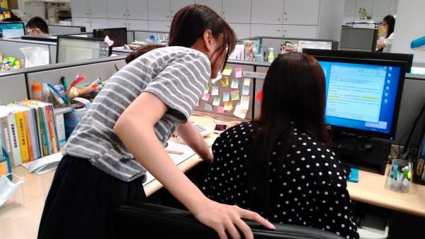 職場環境調查 上班族票選:最惱人的是同事
