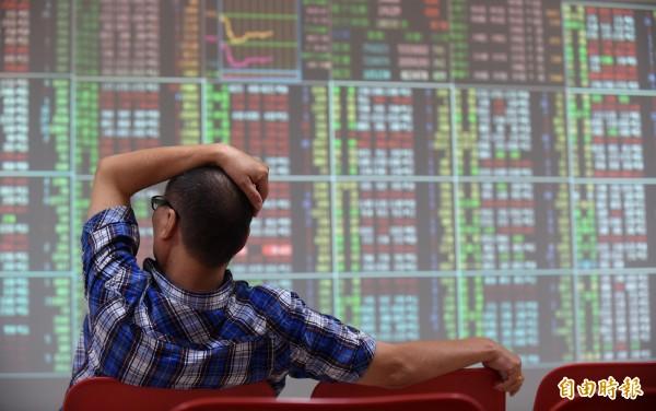 希債引爆「黑色星期一」台股大跌226.47點