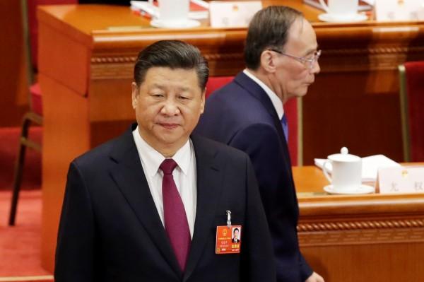 郭文貴聲稱,習近平一向視王岐山為麻煩,但為了平衡黨內勢力,才把王岐山拉上國家副主席。(路透)