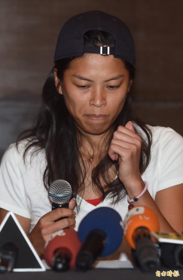 謝淑薇今天表示,將全面從台灣網壇退休,永不再接受國家隊徵召,震撼全國。(記者簡榮豐攝)